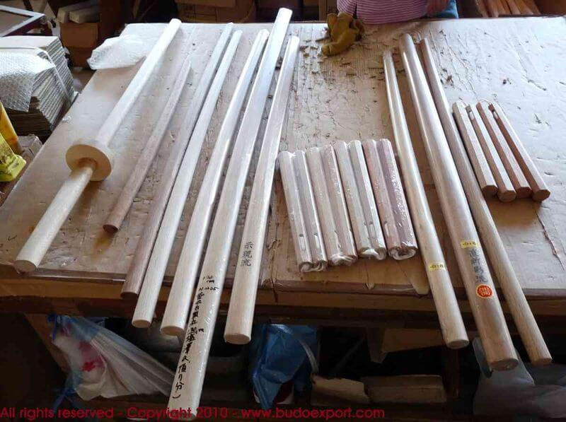 fabrication des bokken japonais a l 39 atelier aramaki. Black Bedroom Furniture Sets. Home Design Ideas